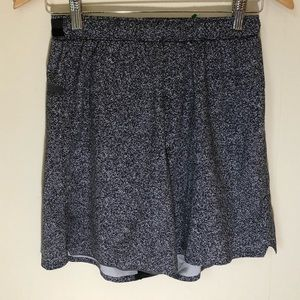 Lululemon 🍋 men's small jogging running shorts S